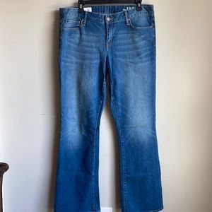 Gap Perfect Boot jeans size 32 long